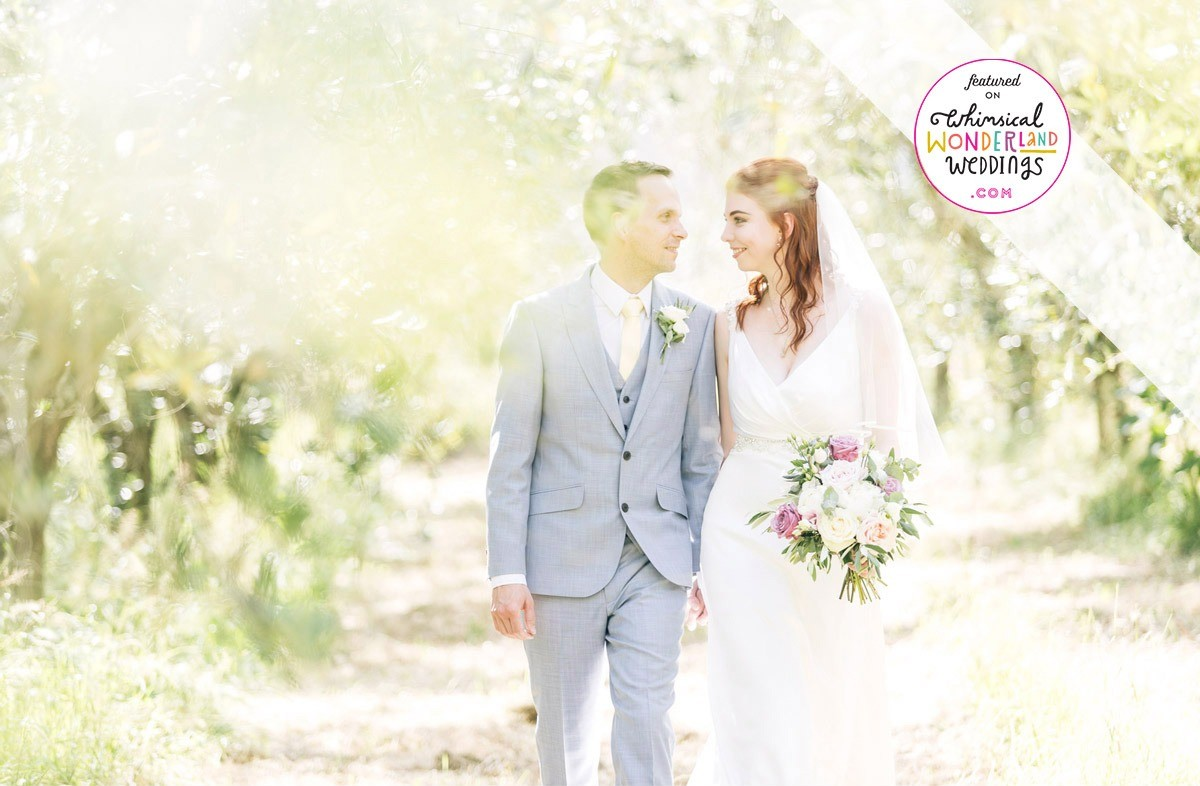 Romantic wedding with a symbolic ceremony in the countryside near Lucca