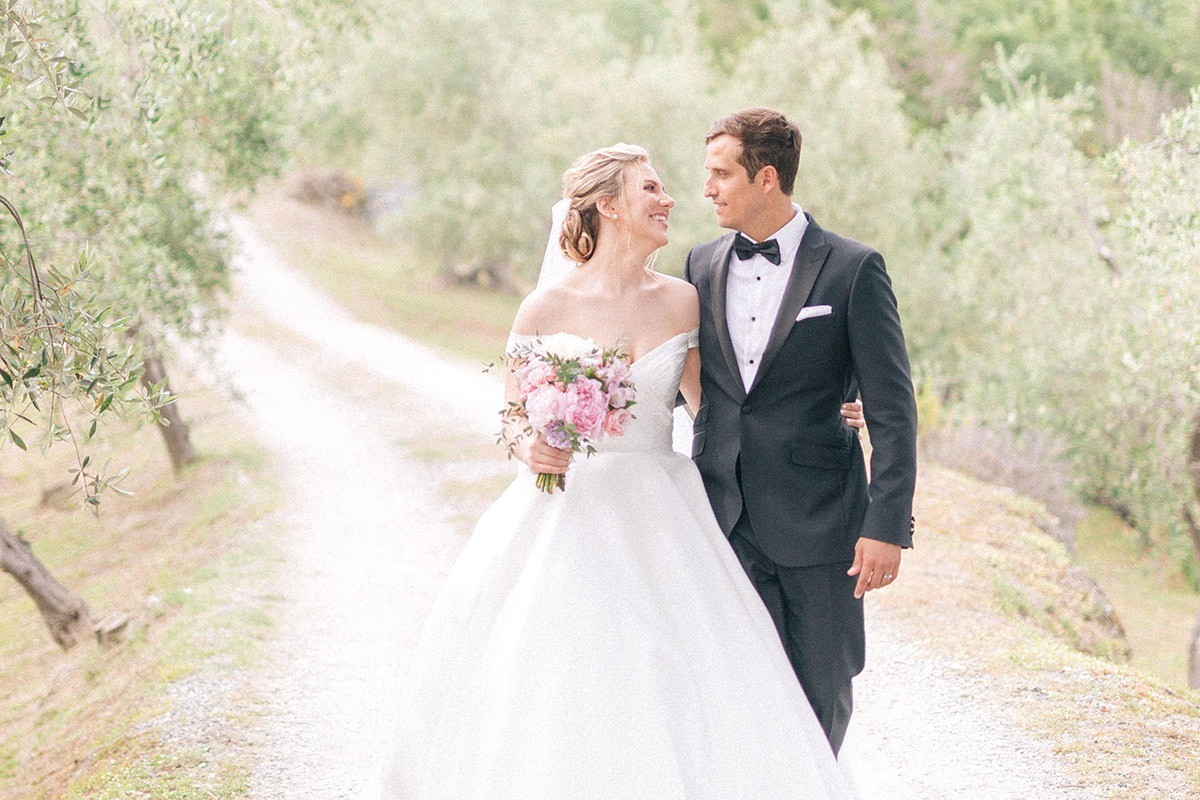 Wedding and elopement photographers in Tuscany and Cinque Terre