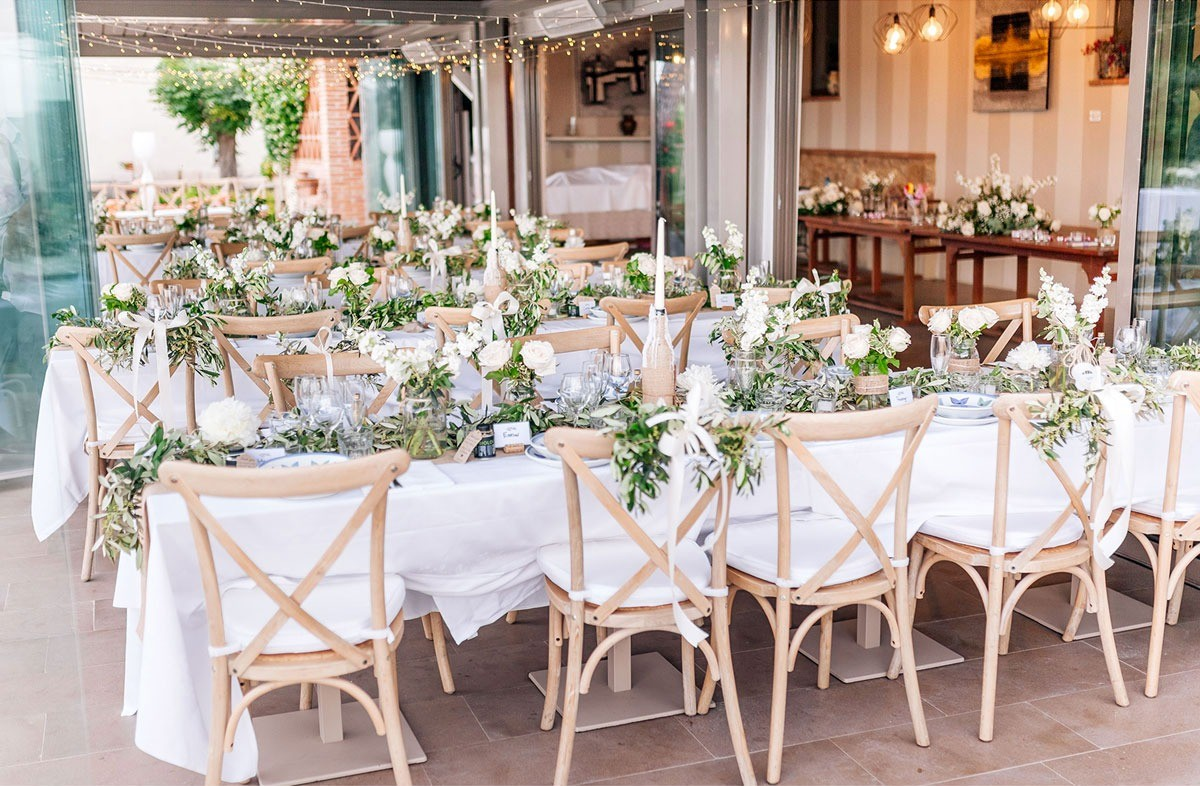 Rustic table setup for a wedding in Florence