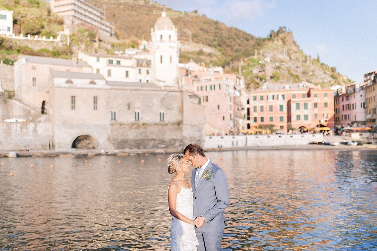 Bride and groom in Vernazza