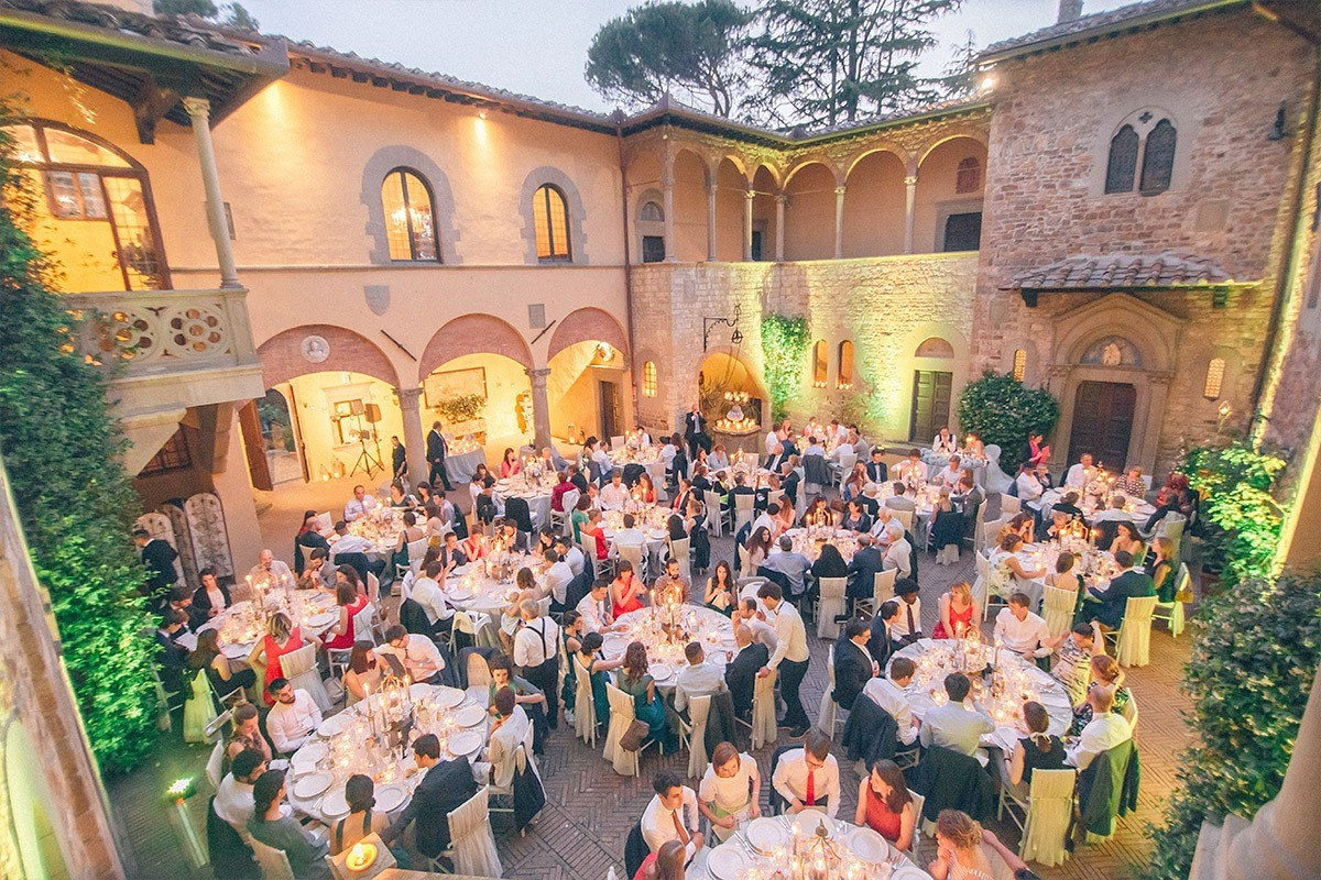 Charming castle in Tuscany for big weddings