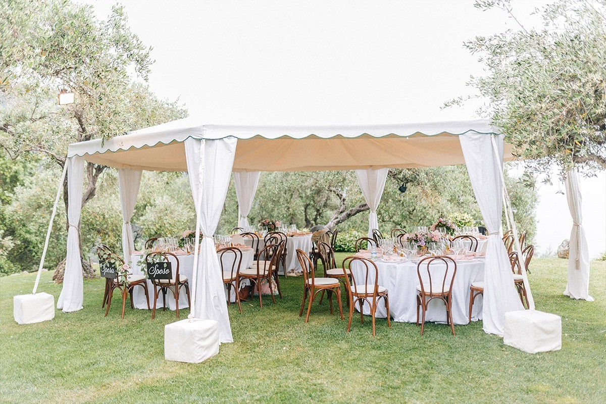 Outdoor wedding reception in Cinque Terre